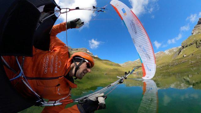 Chrigel Maurer en tête de la Red Bull X-Alps - ©